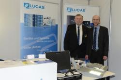 Wilfried Röpke (right) from Jena economy is briefed by Thomas Lucas (left) about the new intelligent street light LUCSII